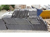 Redland renown roof tiles, approx. 600 available