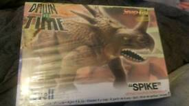 Snap Tite 'spike' modelling toy