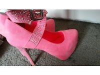 stunning, pink suede shoes size 5