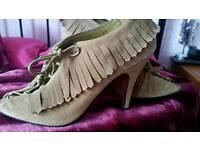 Tan faith shoes