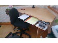 Desktop & workstation with pull out shelves &chair