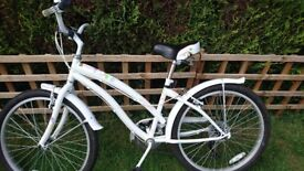 Girls apollo bike for ages 8-11 years