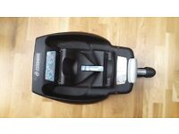 Maxi Cosi isofix base with car seat and accessories