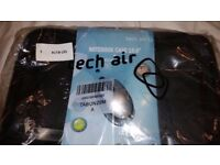 Tech Air 15.6 Laptop Bag with mouse. NEW