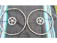 Shimano Deore XT set off bike wheels in very good condition !can deliver or post!