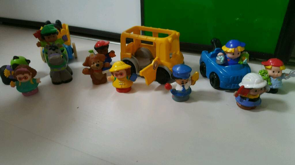 15 pieces of Fisher Price Little Peoplein Southside, GlasgowGumtree - 15 pieces of Fisher Price Little People Good conditionFrom a smoke and pet free homeI have a lot more toys for sale including more Little People set (also a big farm house and Noahs arc)