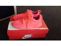 Womens Nike trainers Size 3.5