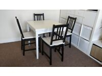 Painted white extendable table for 4/6 persons