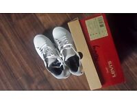 Levi-s Mens Trainers - NEW - With original Box - UK Size 8 - Can deliver locally