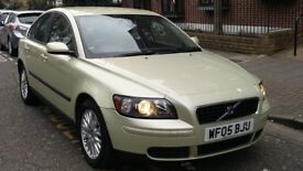 VOLVO S40 2.0 SE DIESEL 2005 05 REG MET GREEN 4 DOOR SALOON 6 SPEED MANUAL PAS A/C 129K MILES SUPERB
