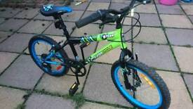 """Kids mountain bike hardly been used suit 5 ish to 7""""8 ish"""