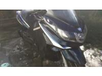 Piaggio X10 350 - no Vespa Beverly Medley-