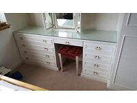 Fitted Dressing Table and Wardrobe Great Condition!!