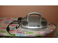 BENCH RADIO & TOP LOADING-CD'S SYSTEM,WITH HEADPHONES.-(EXCELLENT)