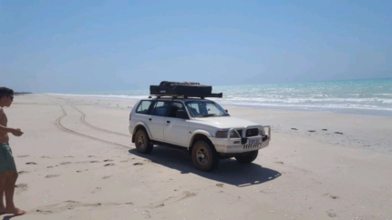 Mitsubishi Challenger 2002 4WD, Rooftop Tent + Awning