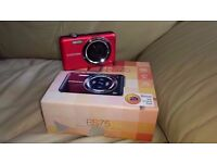 Samsung ES75 Digital Camera with Charger and Box
