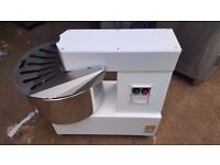 BAKERY PIZZA BRAND NEW 40LITRE DOUGH MIXER BAKERY PIZZA DOUGH MIXER FOR COMMERCIAL CATERING USE
