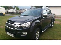 Isuzu - D-Max Utah - Double Cab 4x4 - 4 door Truck with Fifth Wheeler hitch installed