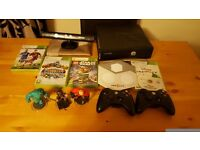 Xbox 360 slim 250gb, Kinect, 2 Controller and 4 games.