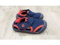 Jojo Maman Bebe Beach Sandals (Navy/Red) Size 4 - £8