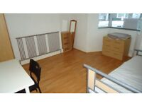 2 ROOMS AVAILABLE IN STUDENT HOUSE CLOSE TO UWTSD MOUNT PLEASANT SWANSEA