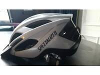 Adjustable, lightweight bicycle helmet