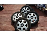 """VAUXHALL ZAFIRA 15"""" ALLOY WHEELS/ 195/65/R15 WITH FAIRLY NEW TYRES £100 O.N.O"""