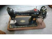 Singer Sewing Machine Vintage with engraved case