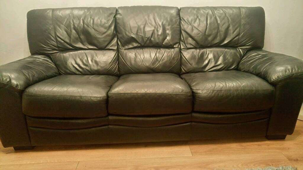 Black Leather 3 & 2 Seater Sofa great condition