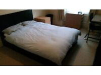 Room to Rent in West End Flat £415 pcm (utility + internet bills inc.)