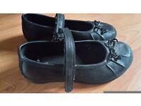 Girls Clarks Black Shoes size 9 1/2