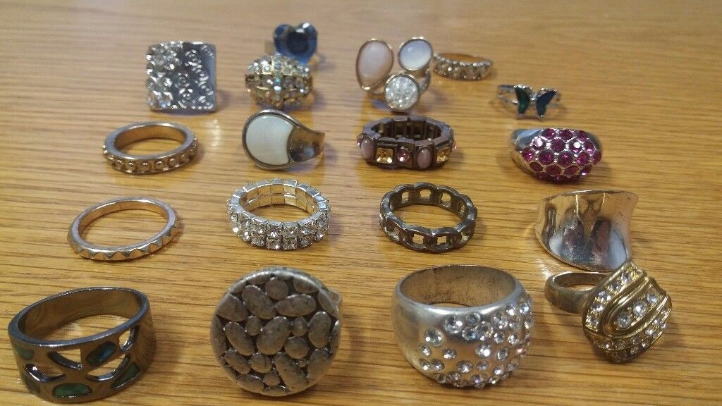 Vintage Rings Jewellery Job Lot - Kitsch Chic Pieces Silver?