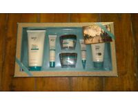 Boots Protect and Perfect gift set