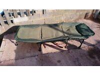Carp fishing camping bed, 8 legs
