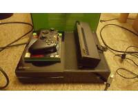 Xbox one with controller / kinect plus 1 game
