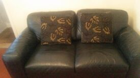 2 x leather sofas for sale really really good condition £250 x1 or £400 for both