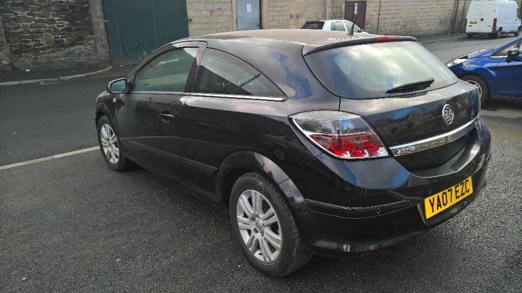 2007 astra h 3 door passenger quarter panel in black