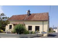 Traditional detached French cottage in lovely Loire Valley, 20 mins drive from Saumur.