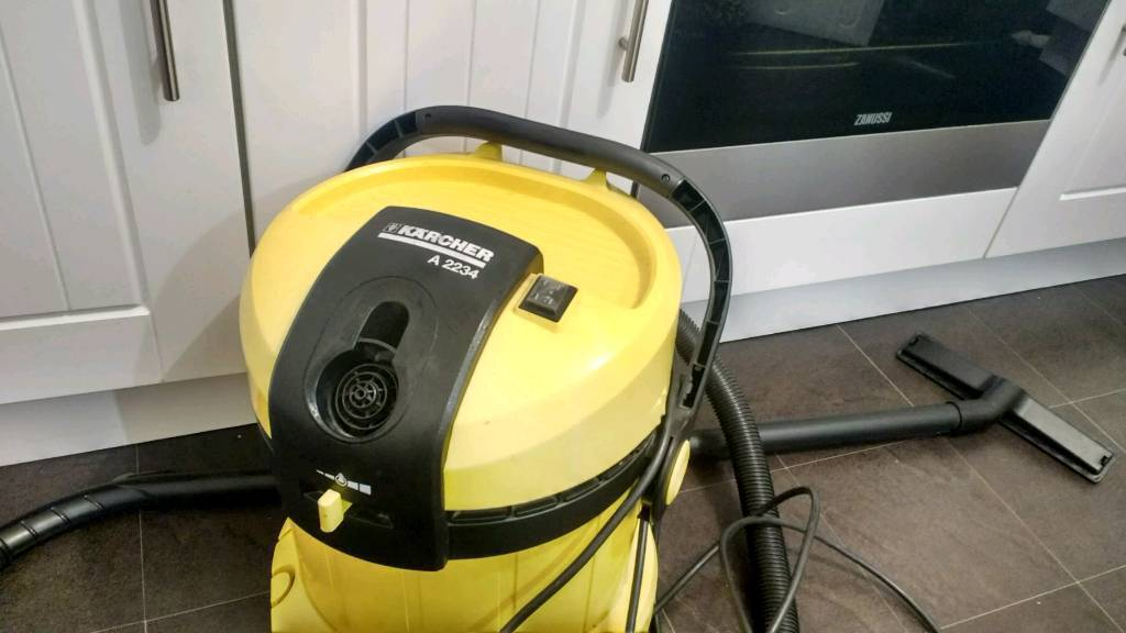 Karcher hoover really powerful.