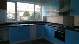 FANTASTIC 4 BEDROOM HOUSE...5MINS SEVEN KINGS STATION... £1850.00pcm!!!