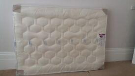 Luxury spring pocket memory foam double mattress BRAND NEW.