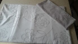 2 single duvet covers,cream sheets and marks and spencers pillows