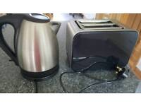 Toaster and kettle both working order