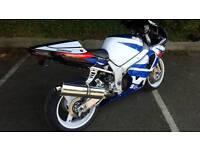 GSXR 750 BLUE & WHITE