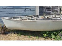Boat 16ft 6ft free to pick up
