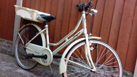 LADIES DUTCH STYLE BIKE & CARRIER,BELL,STAND £50