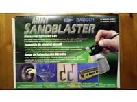 Badger Mini Hobby Sandblaster model 260-1
