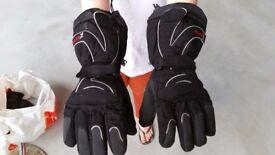 Heated motorbike gloves