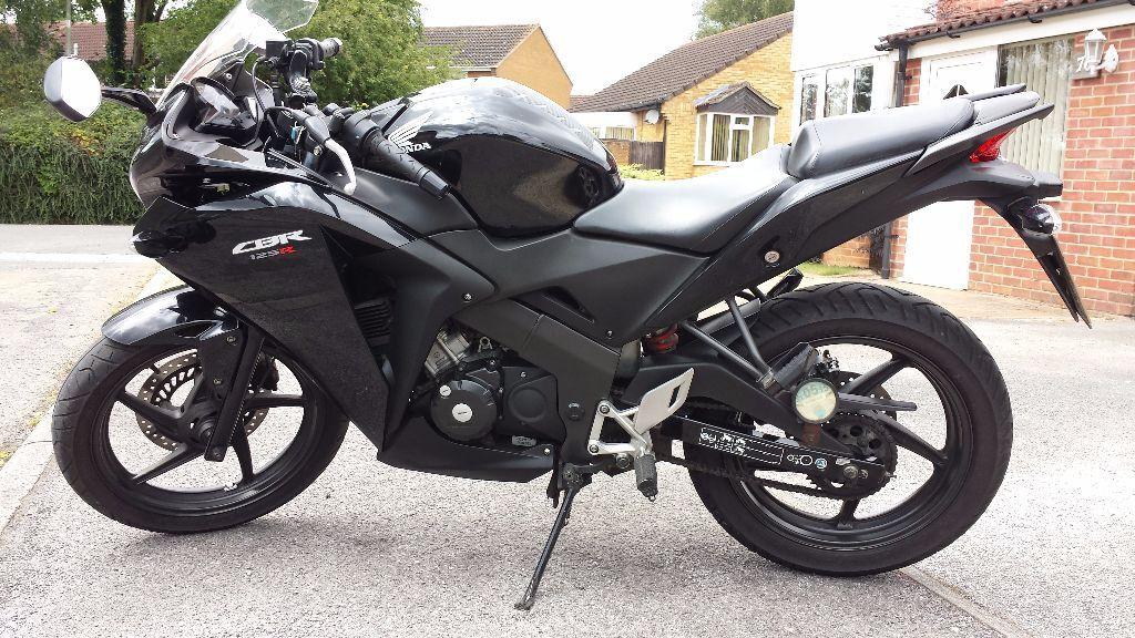 Honda Cbr 125 Cc 2011 Black Matt Black Great