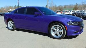 2016 Dodge Charger R/T - PLUM CRAZY - ONLY 2,700 KMS!!!!